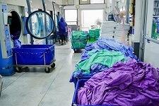 Wäschesortierwagen mit benutzer Wäsche